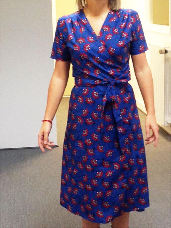Colette couture création robe bleu et rouge